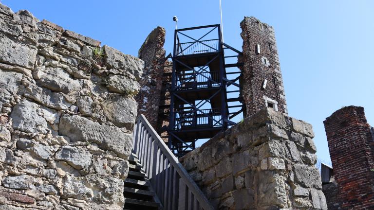 Trap naar kasteeltoren.png